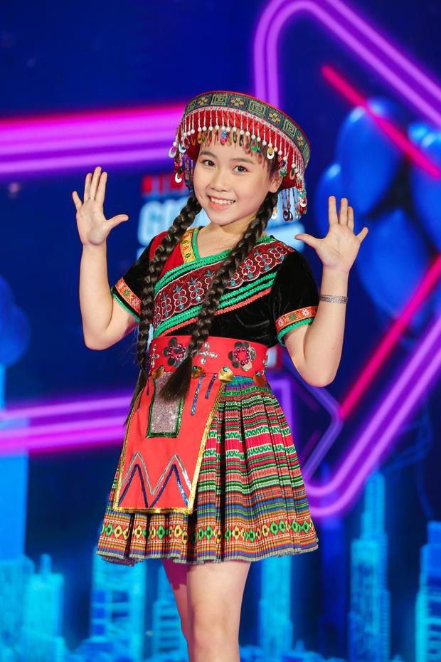 Emily phải xin lỗi Lưu Hương Giang vì lỡ gây mất lòng trong tập 1 Giọng Hát Việt Nhí 2021 - Ảnh 8.