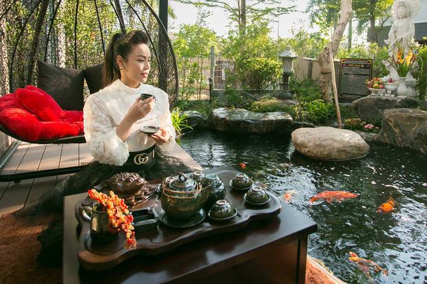 Bên trong căn biệt thự 220m2 của Nhật Kim Anh: Góc nào cũng toát lên sự giàu có, vườn cây ao cá đều đủ cả - Ảnh 7.