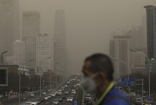 Miền Bắc tái ô nhiễm không khí nghiêm trọng - Ảnh 1.