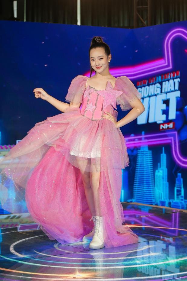 Emily phải xin lỗi Lưu Hương Giang vì lỡ gây mất lòng trong tập 1 Giọng Hát Việt Nhí 2021 - Ảnh 6.