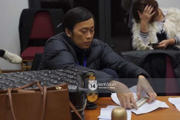 NS Hoài Linh trở lại với nét mặt gây chú ý sau thời gian tiều tuỵ vì NS Chí Tài qua đời, công chúng đồng loạt động viên - Ảnh 3.