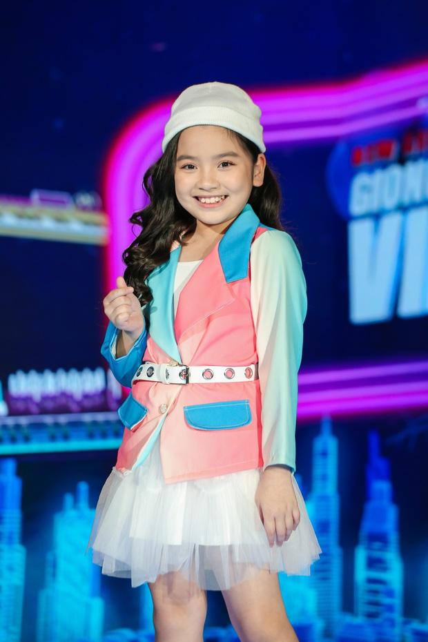 Emily phải xin lỗi Lưu Hương Giang vì lỡ gây mất lòng trong tập 1 Giọng Hát Việt Nhí 2021 - Ảnh 5.
