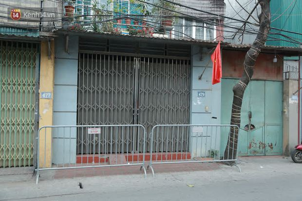 Hà Nội: Cận cảnh phong toả nhà bệnh nhân Covid-19 mới ở quận Nam Từ Liêm - Ảnh 4.
