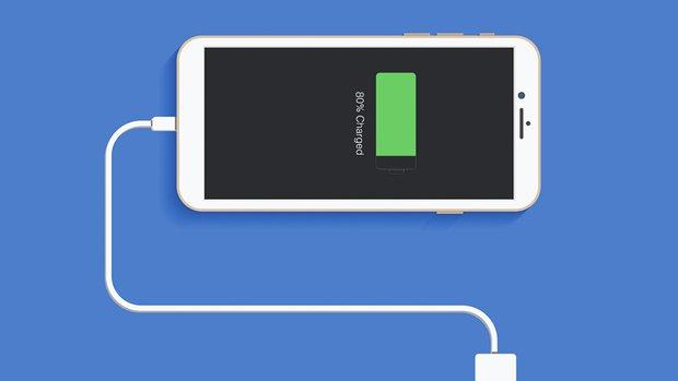 Lại soi chuyện pin iPhone, có quá nhiều thay đổi trong 13 năm qua - Ảnh 1.