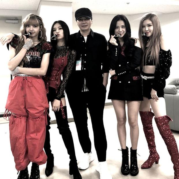 Trước giờ G, fan nghe thấy giọng Yang Hyun Suk ở buổi tổng duyệt concert của BLACKPINK, phấn khích: Bố Yang đã về nhà rồi! - Ảnh 8.