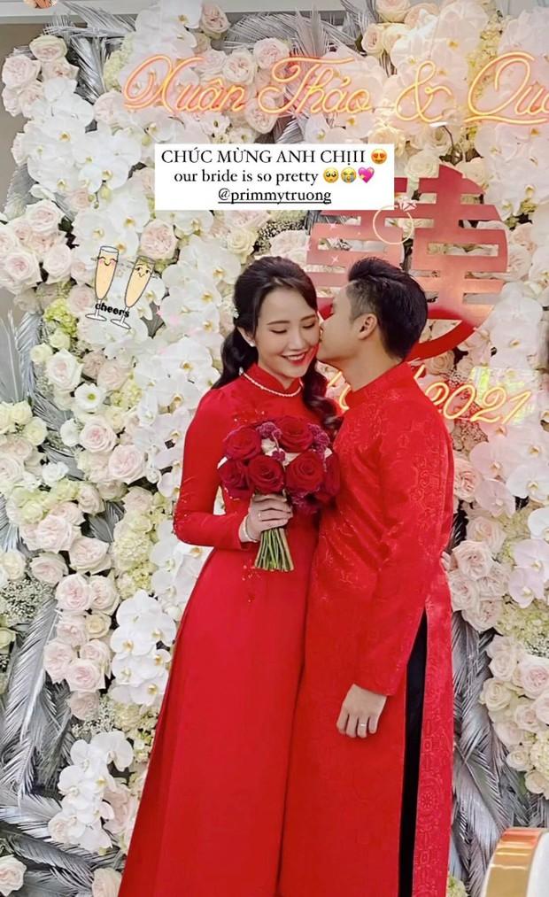 Cô dâu Primmy Trương diện áo dài của NTK Công Trí, xách túi Dior bản giới hạn trị giá hơn 60 triệu trong ngày rước dâu - Ảnh 2.