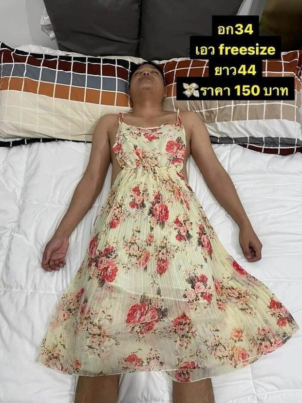 Vợ lợi dụng chồng ngủ để bắt làm người mẫu, mặc từ váy đầm đến crop top để đăng bán online rồi viral khắp MXH - Ảnh 4.