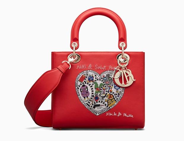 Cô dâu Primmy Trương diện áo dài của NTK Công Trí, xách túi Dior bản giới hạn trị giá hơn 60 triệu trong ngày rước dâu - Ảnh 6.