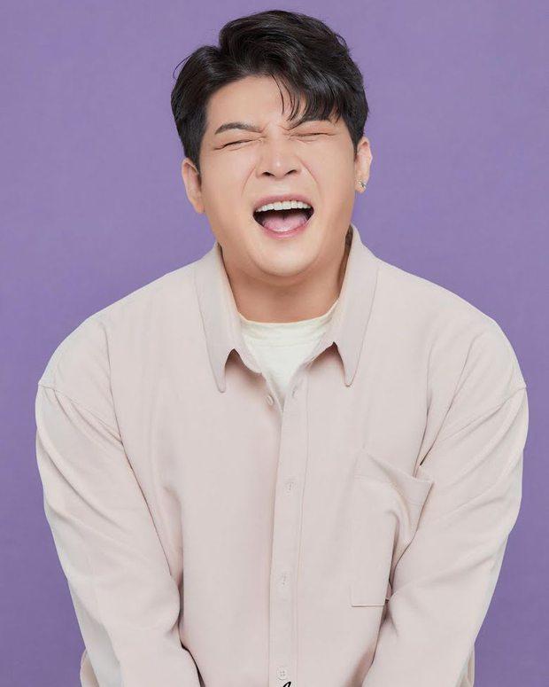 Giảm 40kg chấn động, Shindong (Suju) tung ảnh profile với visual sắc nét khó tin: Thế nào mà khiến MXH xôn xao cả sáng nay? - Ảnh 4.
