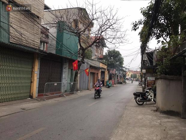 Hà Nội: Người gội đầu cho vợ BN 1694 dương tính SARS-CoV-2, Sở Y tế phát thông báo tìm người liên quan - Ảnh 2.