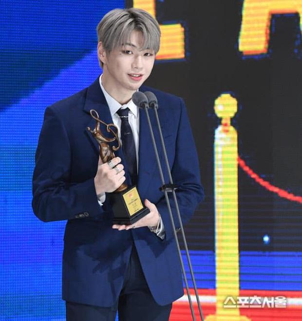 BTS hốt trọn giải, năm thứ 4 liên tiếp đạt Daesang của Seoul Music Awards; BLACKPINK trắng tay toàn tập trong khi TWICE, NCT 127... có giải - Ảnh 10.
