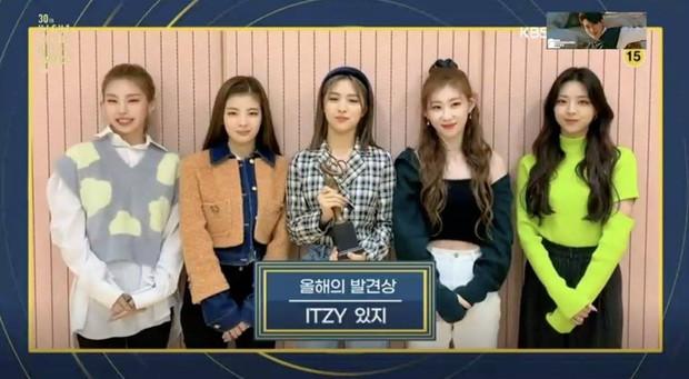 BTS hốt trọn giải, năm thứ 4 liên tiếp đạt Daesang của Seoul Music Awards; BLACKPINK trắng tay toàn tập trong khi TWICE, NCT 127... có giải - Ảnh 11.
