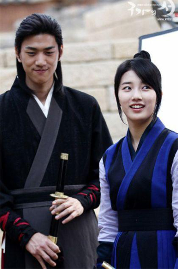 Hồ sơ tình ái của dàn mỹ nhân 9X đắt giá nhất châu Á: Dương Tử lộ cả ảnh nhạy cảm, Jennie chưa sốc bằng Địch Lệ Nhiệt Ba - Ảnh 17.