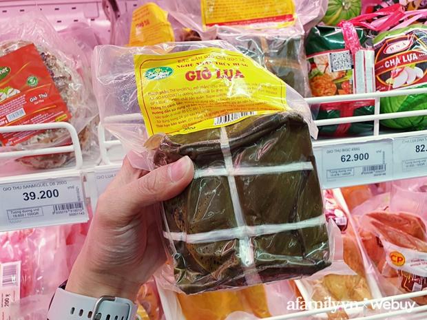 Đừng nghĩ giò, chả, nem truyền thống chỉ bán ngoài chợ hoặc tự làm, ra siêu thị lượn 1 vòng là có đủ loại tha hồ ăn Tết - Ảnh 6.