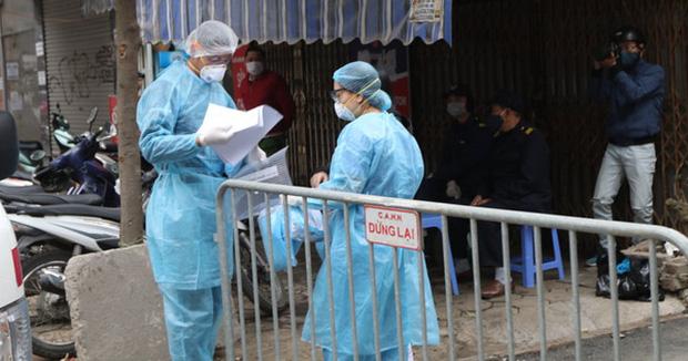 Sáng 1/2, có 2 ca mắc mới COVID-19 trong cộng đồng đều tại Hà Nội - Ảnh 1.