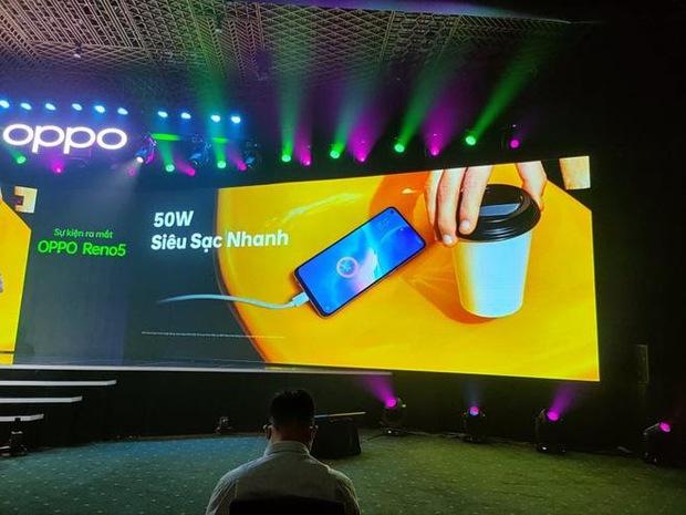 Triển lãm ra mắt siêu phẩm công nghệ: OPPO đồng hành cùng WeChoice Awards tôn vinh khoảnh khắc diệu kỳ của năm 2020 - Ảnh 17.