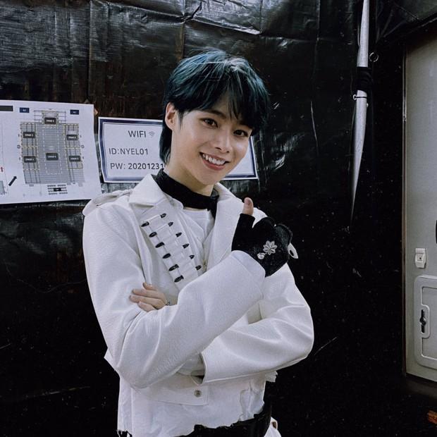 Hanbin được Big Hit đãi ngộ như idol khi cho đăng clip lên kênh chính, sân khấu solo còn có view cao hơn cả GFRIEND và ENHYPEN - Ảnh 10.