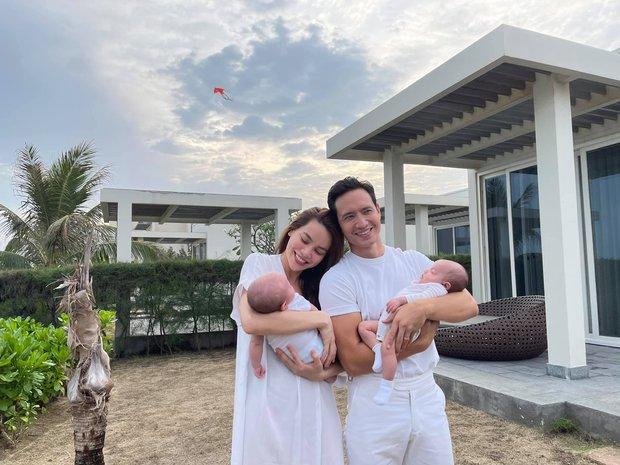 Bức ảnh gia đình hot nhất đầu năm: Gia đình Hà Hồ - Kim Lý lần đầu du lịch 4 người, nhan sắc cả nhà gây sốt - Ảnh 2.