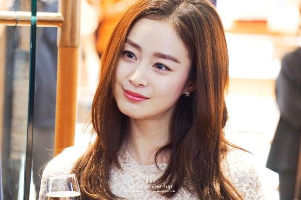 Đặt 2 cặp đôi đẳng cấp nhất Kbiz lên bàn cân: Son Ye Jin - Hyun Bin bị Kim Tae Hee - Bi Rain bỏ xa về tài sản nhưng lại hơn ở điểm này - Ảnh 20.