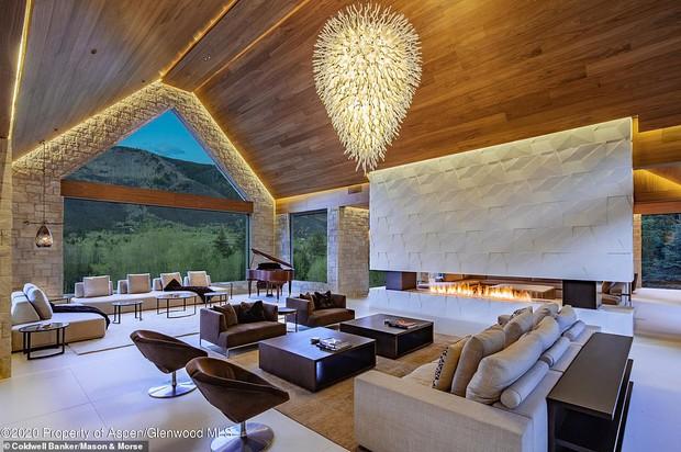 Giới nhà giàu đón năm mới: Kylie - Kendall chi 10 tỷ thuê biệt thự chill ở núi tỷ phú, Stormi 3 tuổi tận hưởng kỳ nghỉ xa hoa - Ảnh 8.