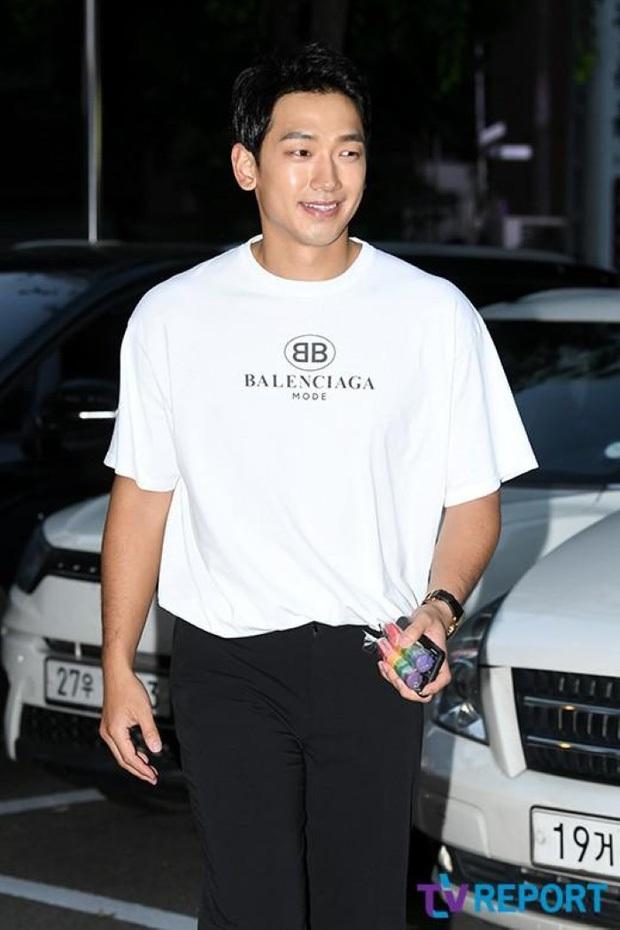 Đặt 2 cặp đôi đẳng cấp nhất Kbiz lên bàn cân: Son Ye Jin - Hyun Bin bị Kim Tae Hee - Bi Rain bỏ xa về tài sản nhưng lại hơn ở điểm này - Ảnh 35.