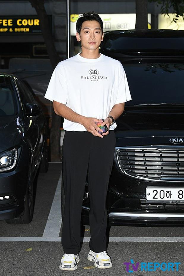 Đặt 2 cặp đôi đẳng cấp nhất Kbiz lên bàn cân: Son Ye Jin - Hyun Bin bị Kim Tae Hee - Bi Rain bỏ xa về tài sản nhưng lại hơn ở điểm này - Ảnh 34.
