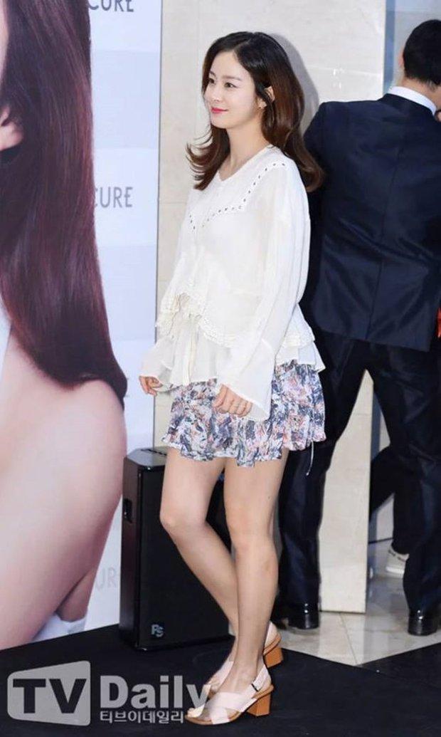 Đặt 2 cặp đôi đẳng cấp nhất Kbiz lên bàn cân: Son Ye Jin - Hyun Bin bị Kim Tae Hee - Bi Rain bỏ xa về tài sản nhưng lại hơn ở điểm này - Ảnh 32.