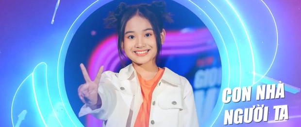 """Cô bé """"hỗn hào"""" từng gây sóng gió trên truyền hình bất ngờ tái ngộ khán giả tại Giọng Hát Việt Nhí - Ảnh 4."""