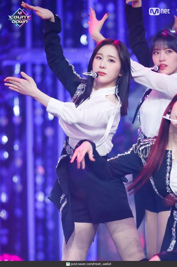 Chuyên gia chọn top 3 nữ dancer trong giới idol: Momo (TWICE) được khen hết lời, Lisa (BLACKPINK) ra chuồng gà dù nhảy giỏi - Ảnh 12.