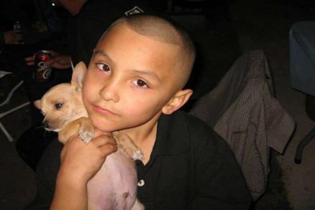 Phim tài liệu về cậu bé 8 tuổi ở Mỹ bị mẹ ruột và bạn trai hãm hại đến chết, phẫn nộ nhất là sự vô tâm và dối trá của dân địa phương - Ảnh 3.