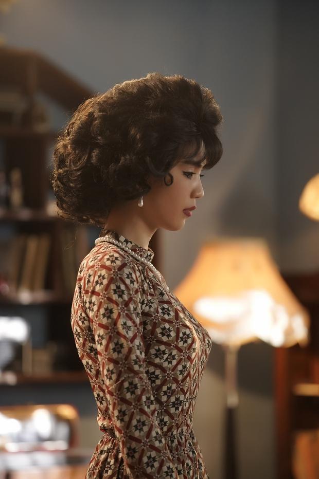 Ngọc Trinh cùng Ngô Kiến Huy hóa Cô Ba Sài Gòn, ghi điểm với màn khóc giả trân vì bị bồ đá ở Em Là Của Em - Ảnh 2.