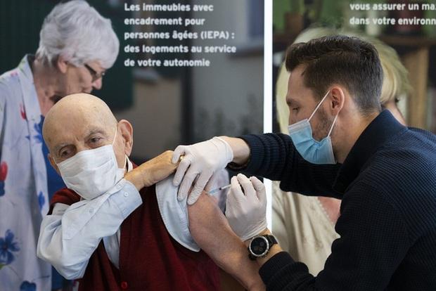 Hơn 85,3 triệu người nhiễm COVID-19 trên thế giới, Mỹ lo ngại sụp đổ hệ thống y tế - Ảnh 3.