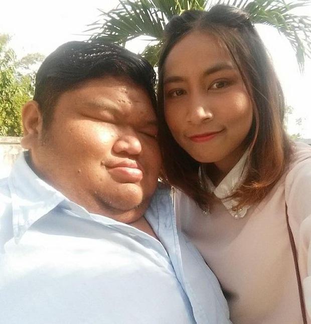 3 năm sau khi gây xôn xao MXH, cuộc sống hiện tại của cặp đôi chồng cú vợ tiên vẫn viên mãn đáng ghen tị, tiết lộ luôn nhan sắc cô con gái - Ảnh 1.