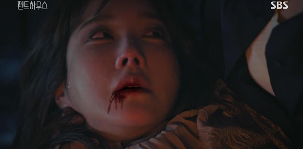 SỐC: Bà cả Penthouse bị tiểu tam một dao đâm chết ngay tập kế cuối, chuyện quái gì đang xảy ra vậy? - Ảnh 1.