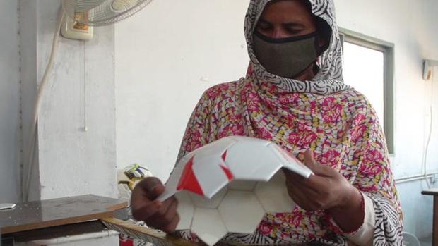 Thâm nhập thành phố Sialkot (Pakistan) - nơi sản xuất bóng nhiều nhất trên thế giới - Ảnh 4.