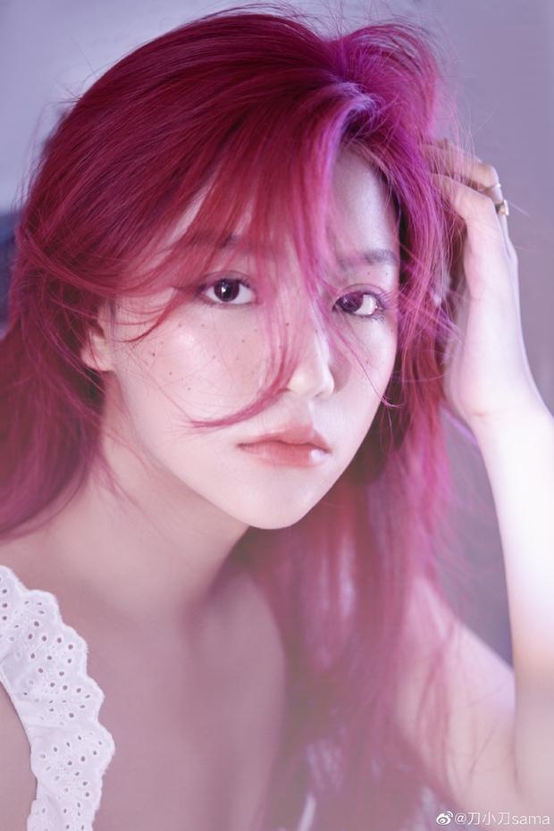 Top 10 hot girl khuấy đảo TikTok Trung Quốc: Dàn mỹ nhân xuyên không mang vẻ đẹp thiên thần, thánh hất tóc chưa phải là nhất - Ảnh 5.