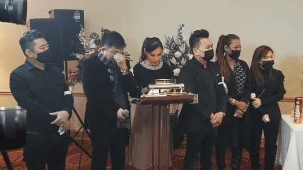 Clip tiếng hát con gái Vân Quang Long vang lên trong tang lễ ở Mỹ và lời tiễn biệt khiến dàn sao bật khóc nức nở - Ảnh 4.