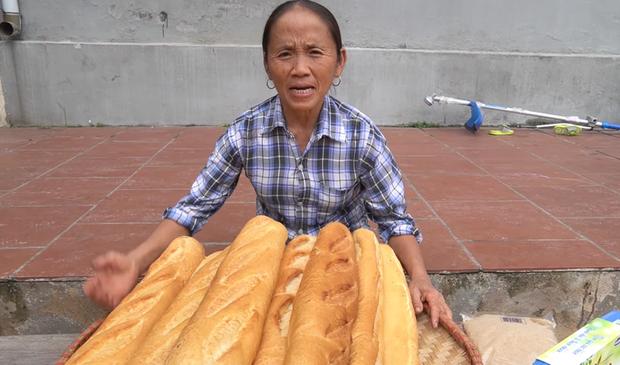 Bà Tân làm bánh mì ngào đường nhưng ra lò y hệt mẹt bún đậu thiếu mỗi chén mắm tôm, các cháu ăn ngon đến nỗi rụng cả tóc! - Ảnh 1.