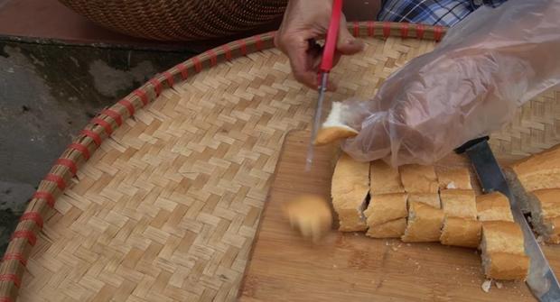 Bà Tân làm bánh mì ngào đường nhưng ra lò y hệt mẹt bún đậu thiếu mỗi chén mắm tôm, các cháu ăn ngon đến nỗi rụng cả tóc! - Ảnh 3.