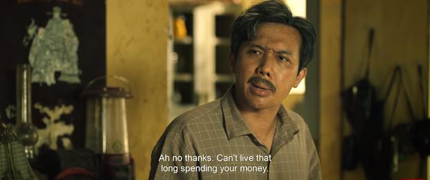 Trấn Thành hết hồn nhiên hôn má lại mò vào nhà tắm của Tuấn Trần ở teaser trailer Bố Già - Ảnh 2.