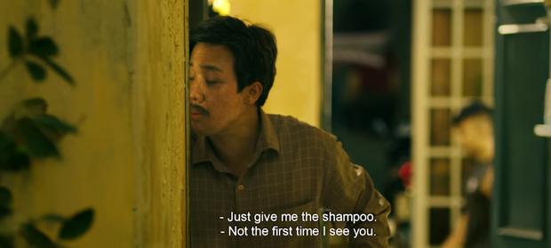Trấn Thành hết hồn nhiên hôn má lại mò vào nhà tắm của Tuấn Trần ở teaser trailer Bố Già - Ảnh 4.