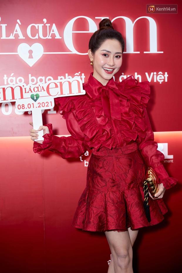 Ngọc Trinh diện đầm đỏ nổi hú hồn, át vía nam chính Ngô Kiến Huy ở họp báo công chiếu Em Là Của Em - Ảnh 15.