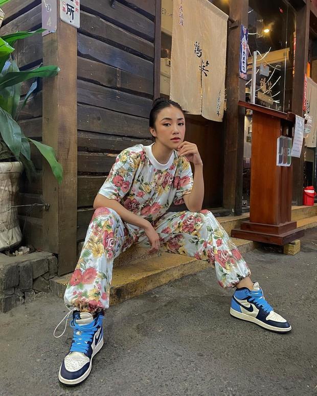 Instagram look của sao Việt: Phanh Lee khoe body nóng bỏng, Hải Tú xinh xắn, riêng Lan Ngọc hơi dừ và sến - Ảnh 7.