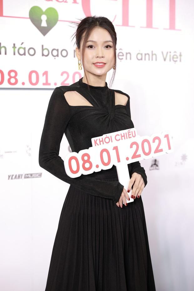 Ngọc Trinh diện đầm đỏ nổi hú hồn, át vía nam chính Ngô Kiến Huy ở họp báo công chiếu Em Là Của Em - Ảnh 8.