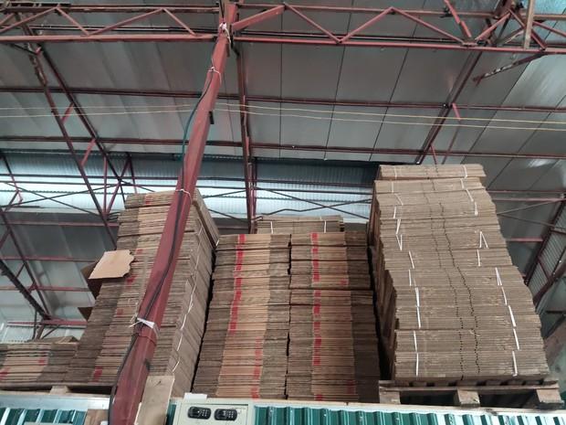 Hà Nội: Cận cảnh 3 tấn bánh quy nước ngoài hết hạn đang được phù phép để tung ra thị trường - Ảnh 1.