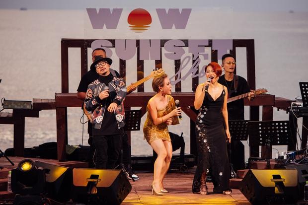 Hà Trần - Uyên Linh đọ giọng ép phê tại mini show đón hoàng hôn trên bãi biển, Hà Lê hát nhạc Trịnh nhưng vẫn giữ tinh thần Underground - Ảnh 11.