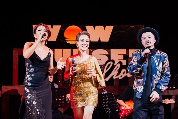 Hà Trần - Uyên Linh đọ giọng ép phê tại mini show đón hoàng hôn trên bãi biển, Hà Lê hát nhạc Trịnh nhưng vẫn giữ tinh thần Underground - Ảnh 9.