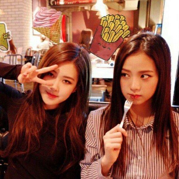 Đào video BLACKPINK hát cover thời pre-debut, netizen chê Jisoo và Rosé, nghe giọng Jennie là hiểu vì sao được solo đầu tiên - Ảnh 2.