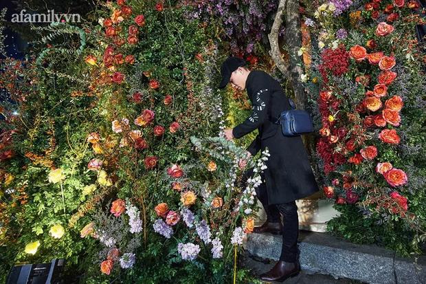 Mãn nhãn với đám cưới Vườn địa đàng concept truyện cổ tích Pháp, hơn 80 loài hoa trải dài lộng lẫy đến từng chi tiết - Ảnh 4.
