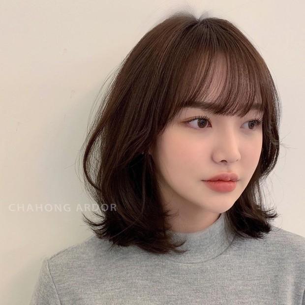 6 kiểu tóc ngắn giúp gương mặt nhỏ gọn thanh thoát, lại ăn gian tuổi cực siêu khiến bao nàng muốn thử - Ảnh 5.